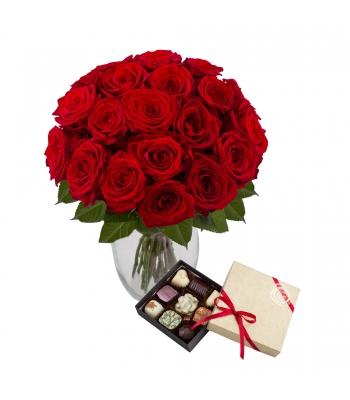 Punane roosikimp kommikarbiga