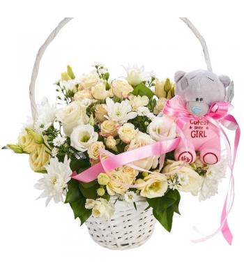 Roosa mõmmikuga lillekorv