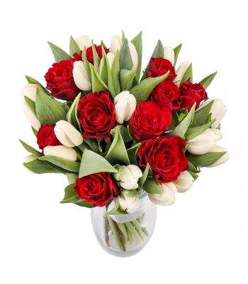 Tulbikimp roosidega
