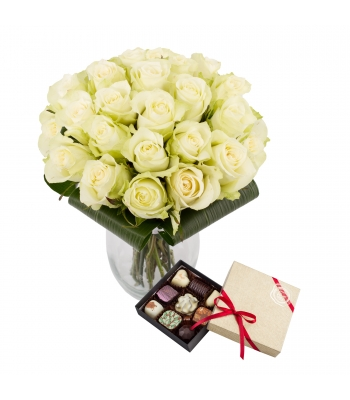 Valge roosikimp kommikarbiga